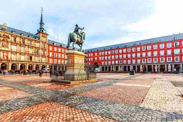 plaza mayor madrid.jpg